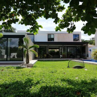 Casa en Club de Golf la Ceiba, 4 habitaciones (CM)